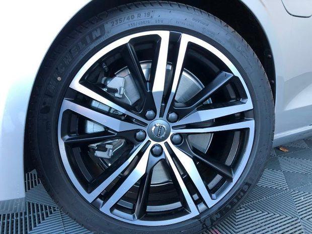 Photo miniature de la Volvo S60 T6 AWD 253 + 87ch R-Design Geartronic 8 2020 d'occasion