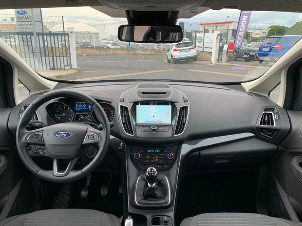 Photo miniature de la Ford Grand C-MAX 1.0 EcoBoost 125ch Stop&Start Titanium Euro6.2 2018 d'occasion