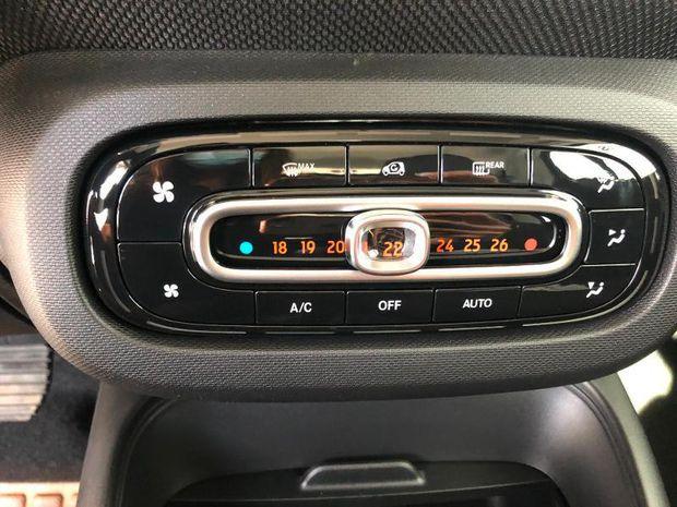 Photo miniature de la Smart fortwo Coupe Electrique 82ch passion 2020 d'occasion
