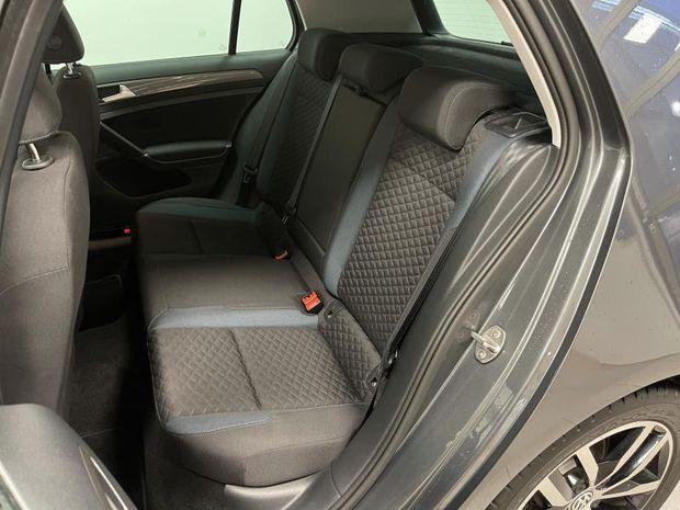 Photo miniature de la Volkswagen Golf 2.0 TDI 150ch FAP IQ.Drive DSG7 Euro6d-T 5p 2020 d'occasion