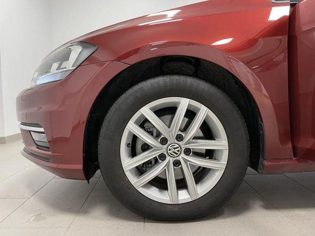 Photo miniature de la Volkswagen Golf 1.5 TSI EVO 150ch Confortline DSG7 Euro6d-T 5p 8cv 2020 d'occasion