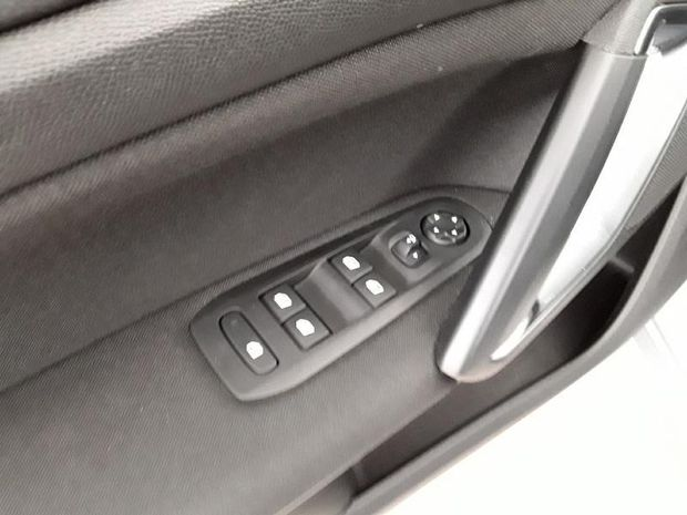Photo miniature de la Peugeot 308 1.2 PureTech 110ch S&S Style 6cv 2020 d'occasion
