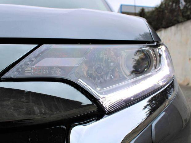 Photo miniature de la Mitsubishi Outlander 2.4l PHEV Twin Motor 4WD Business 2019 d'occasion