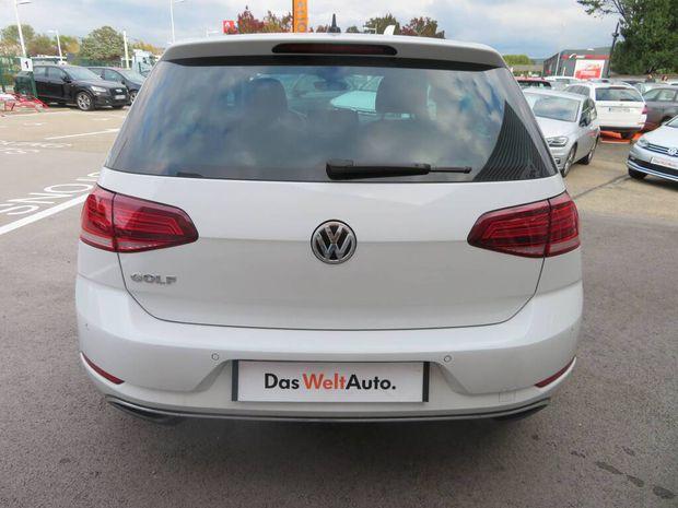 Photo miniature de la Volkswagen Golf 1.6 TDI 115 FAP DSG7 Connect 2018 d'occasion
