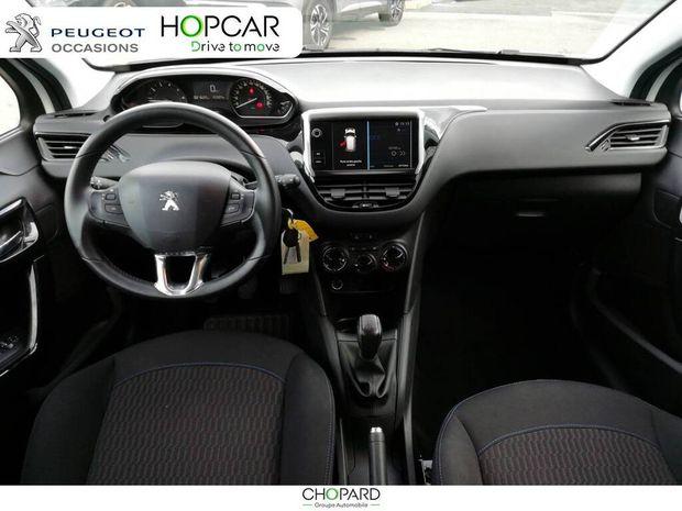 Photo miniature de la Peugeot 208 PureTech 82ch S&S BVM5 Signature 2018 d'occasion