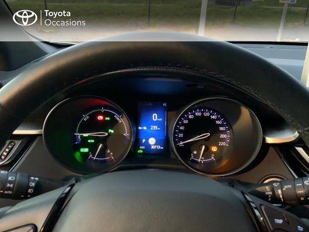 Photo miniature de la Toyota C-HR 122h Graphic 2WD E-CVT RC18 2019 d'occasion