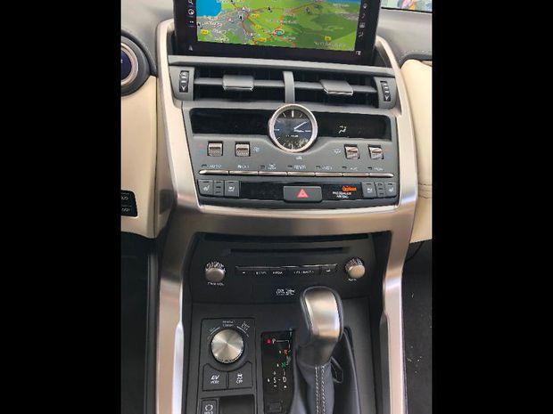 Photo miniature de la Lexus NX 300h 4WD Executive Euro6d-T 2018 d'occasion