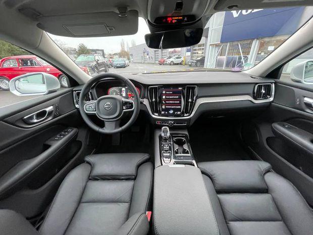 Photo miniature de la Volvo S60 T8 Twin Engine 303 + 87ch Inscription First Edition Geartronic 8 2019 d'occasion