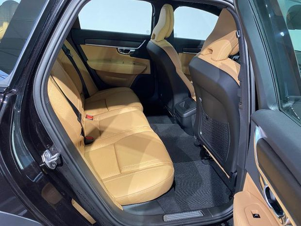 Photo miniature de la Volvo V90 Cross Country D4 AdBlue AWD 190ch Pro Geartronic 2021 d'occasion