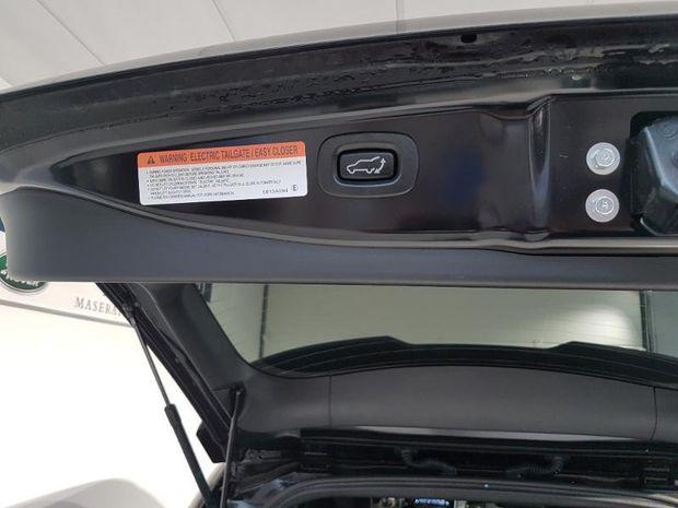 Photo miniature de la Mitsubishi Outlander PHEV PHEV Twin Motor Instyle 4WD Euro6d-T EVAP 2020 d'occasion