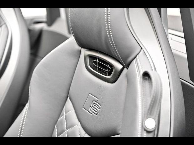 Photo miniature de la Audi TTS Roadster 2.0 TFSI 306ch quattro S tronic 7 Euro6dT 2020 d'occasion