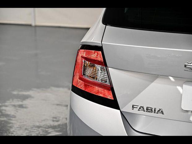 Photo miniature de la Skoda Fabia 1.0 TSI 95ch Drive 125 ans Euro6d-T 2020 d'occasion