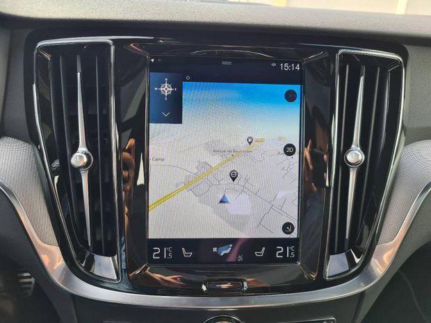 Photo miniature de la Volvo S60 T6 AWD 253 + 87ch R-Design Geartronic 8 2021 d'occasion