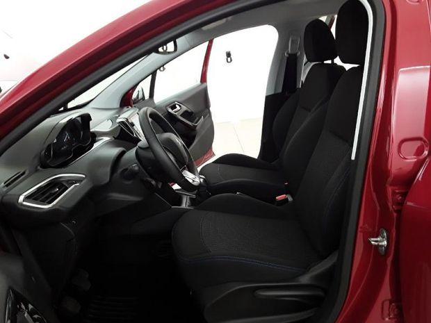 Photo miniature de la Peugeot 208 1.2 PureTech 82ch Style 5p 2017 d'occasion