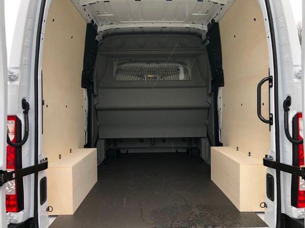 Photo miniature de la Renault Master Fg F3500 L2H2 2.3 dCi 150ch Energy Cabine Approfondie Confort BVR6 Euro6 2020 d'occasion