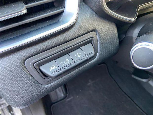Photo miniature de la Renault Clio 1.0 TCe 100ch Intens X-Tronic 2020 d'occasion