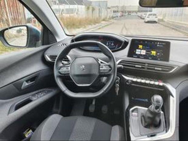 Photo miniature de la Peugeot 5008 1.2 PureTech 130ch S&S Active 2019 d'occasion