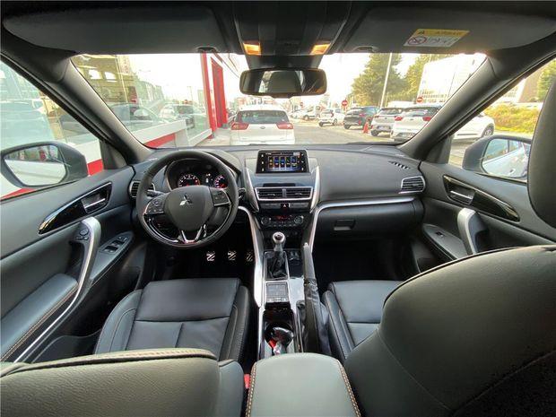 Photo miniature de la Mitsubishi Eclipse Cross 1.5 MIVEC 163 BVM6 2WD 2020 d'occasion