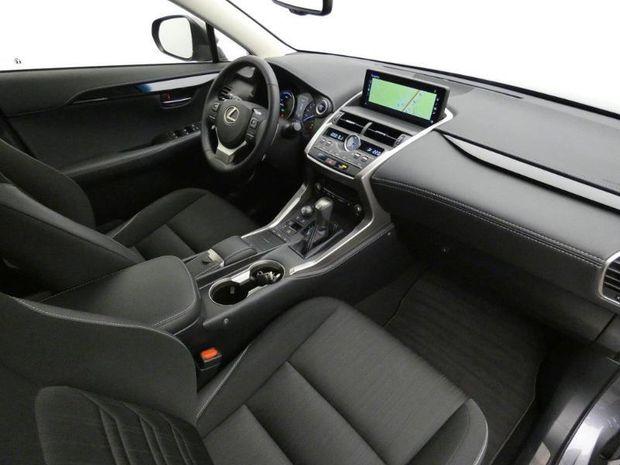 Photo miniature de la Lexus NX 300h 2WD Business Euro6d-T 2018 d'occasion