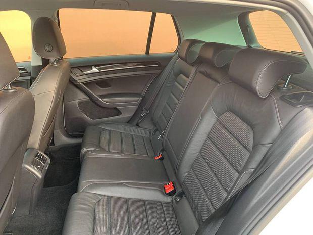 Photo miniature de la Volkswagen Golf 1.4 TSI 125 DSG7 Carat Exclusive 2018 d'occasion
