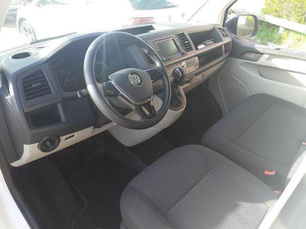 Photo miniature de la Volkswagen Caravelle 2.0 TDI 150ch BlueMotion Technology Confortline DSG7 Court Euro6d-T 2020 d'occasion