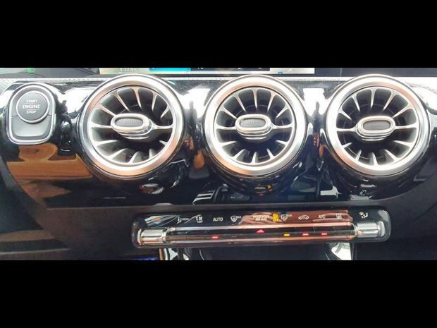 Photo miniature de la Mercedes Classe A 250 e 160+102ch AMG Line 8G-DCT 2021 d'occasion