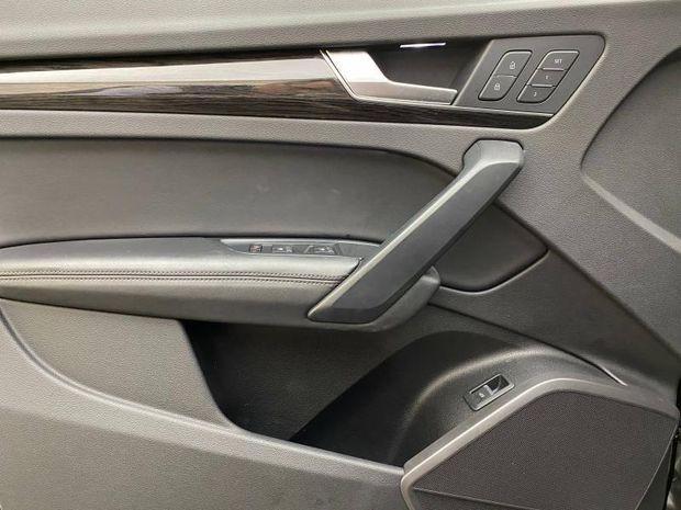 Photo miniature de la Audi Q5 2.0 TDI 190ch Avus quattro S tronic 7 2017 d'occasion