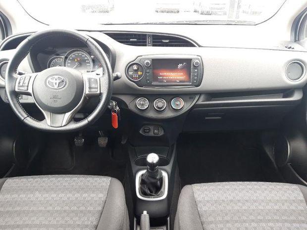 Photo miniature de la Toyota Yaris 69 VVT-i France 5p Clim Bluetooth 2017 d'occasion
