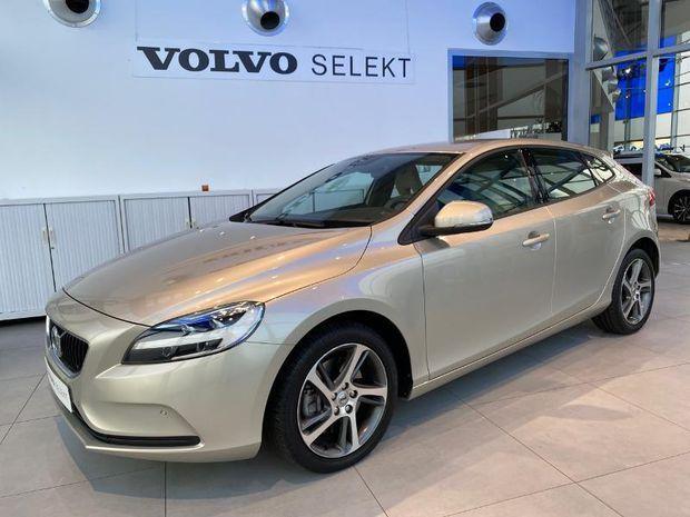 Photo miniature de la Volvo V40 D3 150ch Momentum 2017 d'occasion
