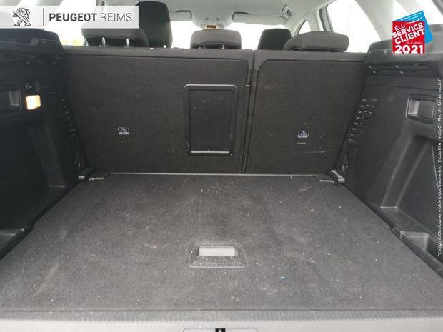 Photo miniature de la Peugeot 3008 1.2 PureTech 130ch Active S/S EAT8 HUD Radar AR Apple Carplay/Android Auto 2019 d'occasion