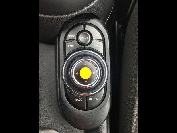 Photo miniature de la Mini Cabrio Cooper 136ch Chili BVA7 Euro6d-T 2018 d'occasion