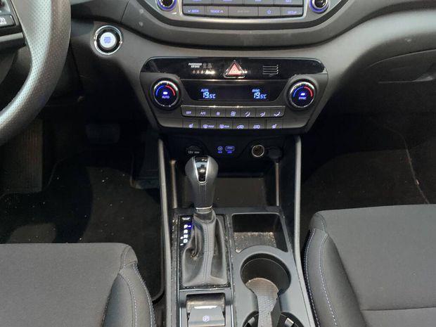 Photo miniature de la Hyundai Tucson 1.7 CRDi 141 2WD DCT-7 Edition #Mondial 2018 d'occasion