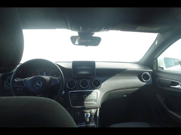 Photo miniature de la Mercedes GLA Classe  180 d Intuition 2018 d'occasion