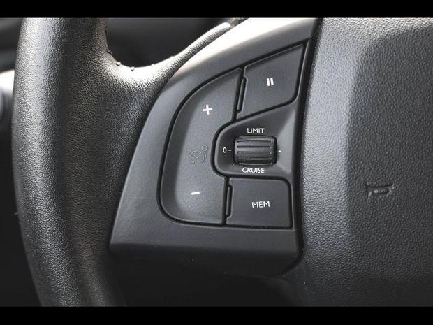 Photo miniature de la Citroën C4 Cactus PureTech 110ch  Feel BVA Garantie 1 an 2018 d'occasion