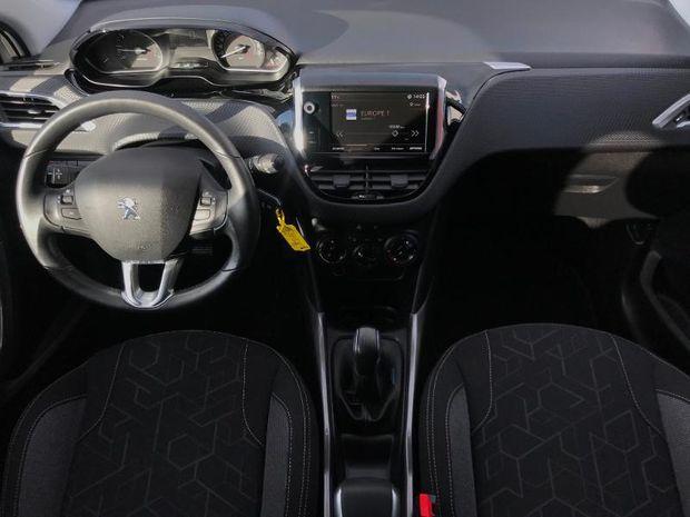 Photo miniature de la Peugeot 2008 1.2 PureTech 82ch Allure 2017 d'occasion