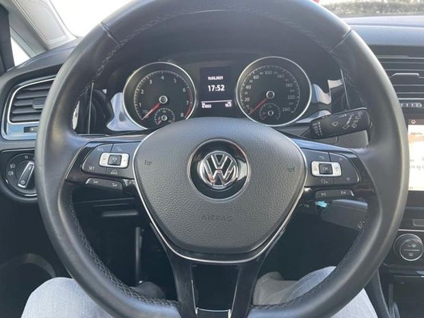 Photo miniature de la Volkswagen Golf 1.4 TSI 125ch BlueMotion Technology Sound 5p 2017 d'occasion