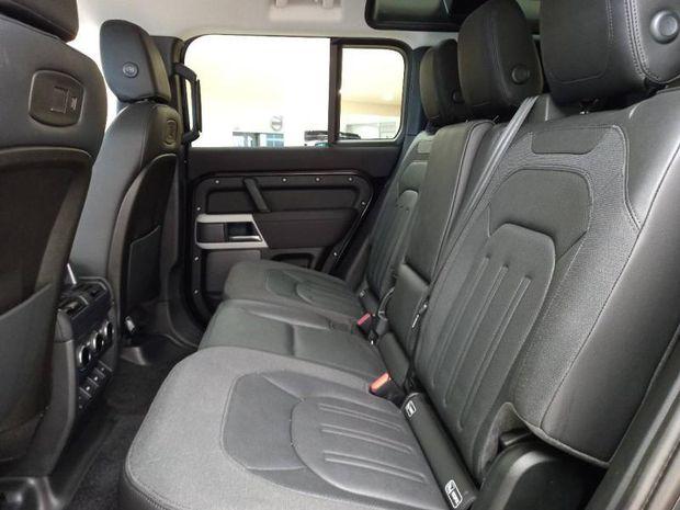 Photo miniature de la Land Rover Defender 110 2.0 D240 SE 2020 d'occasion
