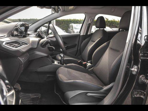 Photo miniature de la Peugeot 208 1.6 BlueHDi 75 Style Gps Radar ar Garantie 1 an 2018 d'occasion
