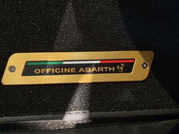 Photo miniature de la Abarth 500 1.4 Turbo T-Jet 165ch 595 Scorpioneoro 2020 d'occasion