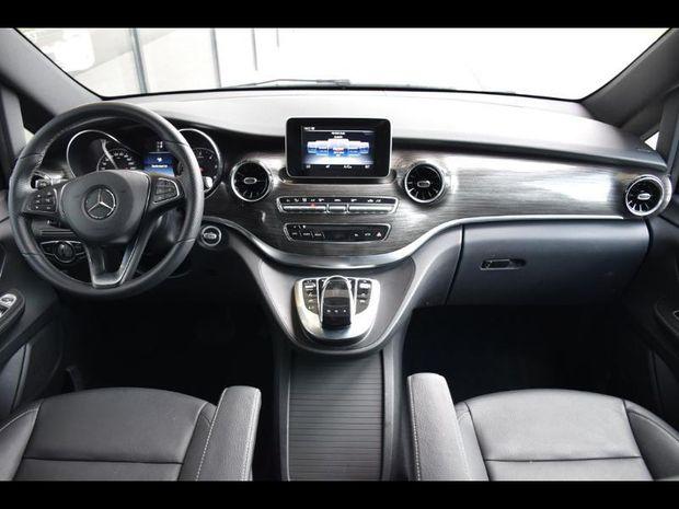 Photo miniature de la Mercedes Classe V 300 d Extra-Long 8 places 54500 HT 2019 d'occasion