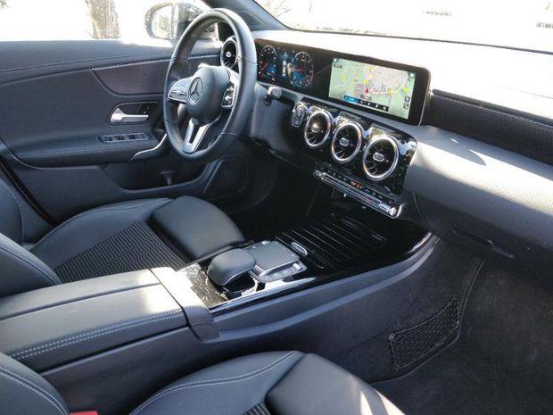 Photo miniature de la Mercedes CLA 180 d 116ch Progressive Line 7G-DCT 2020 d'occasion
