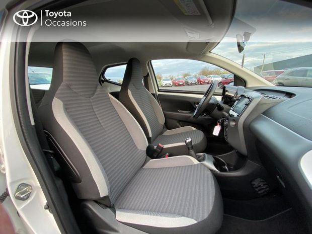 Photo miniature de la Toyota Aygo 1.0 VVT-i 72ch x-play x-app 5p 2019 d'occasion