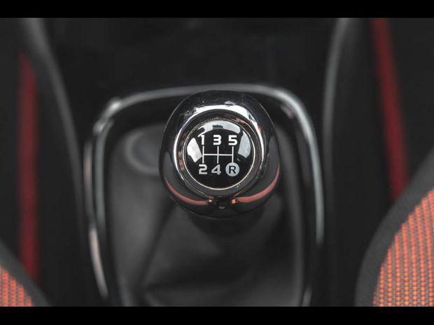 Photo miniature de la Toyota Aygo 69 x-cite 4 5p Bi-ton Liv. Possible 2018 d'occasion
