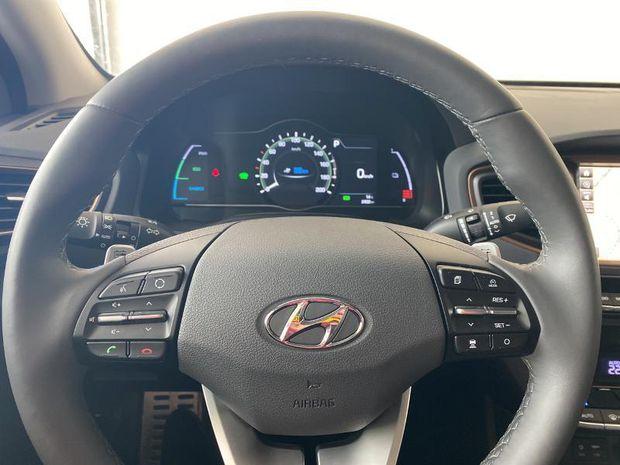 Photo miniature de la Hyundai IONIQ Electric 120ch Executive 1ere main Camera GPS Sieges chauf Full LED 2019 d'occasion