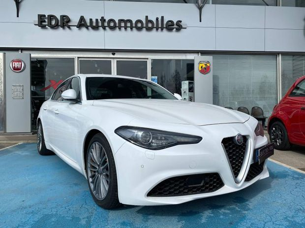 Photo miniature de la Alfa Romeo Giulia 2.2 JTD 180ch Lusso AT8 2017 d'occasion