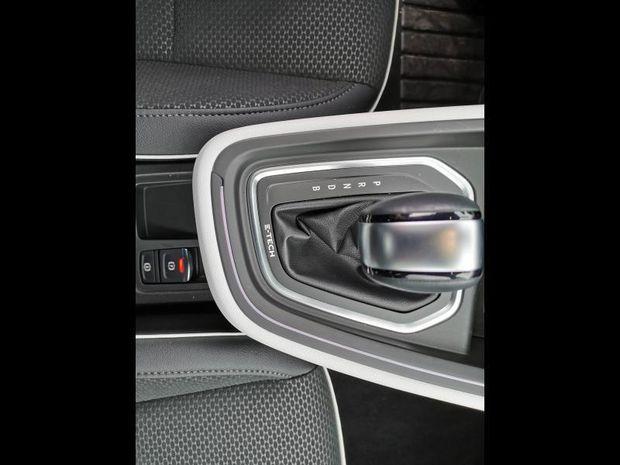 Photo miniature de la Renault Clio 1.6 E-Tech 140ch Intens 2021 d'occasion