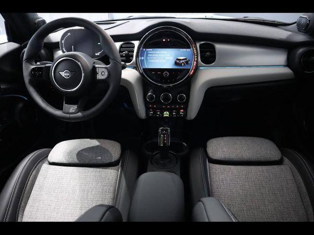Photo miniature de la Mini Mini Cooper SE 184ch Electric Collection 2021 BVA 2021 d'occasion