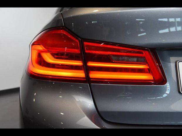 Photo miniature de la BMW Serie 5 Série 5 530eA 252ch Luxury Euro6d-T 2019 d'occasion