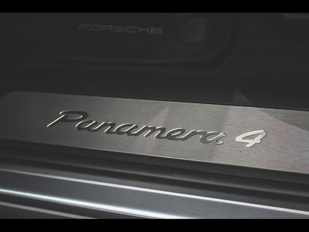 Photo miniature de la Porsche Panamera Spt Turismo 3.0 V6 462ch 4 E-Hybrid 2018 d'occasion