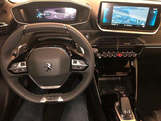 Photo miniature de la Peugeot 208 1.2 PureTech 100ch S&S GT Line EAT8 2021 d'occasion
